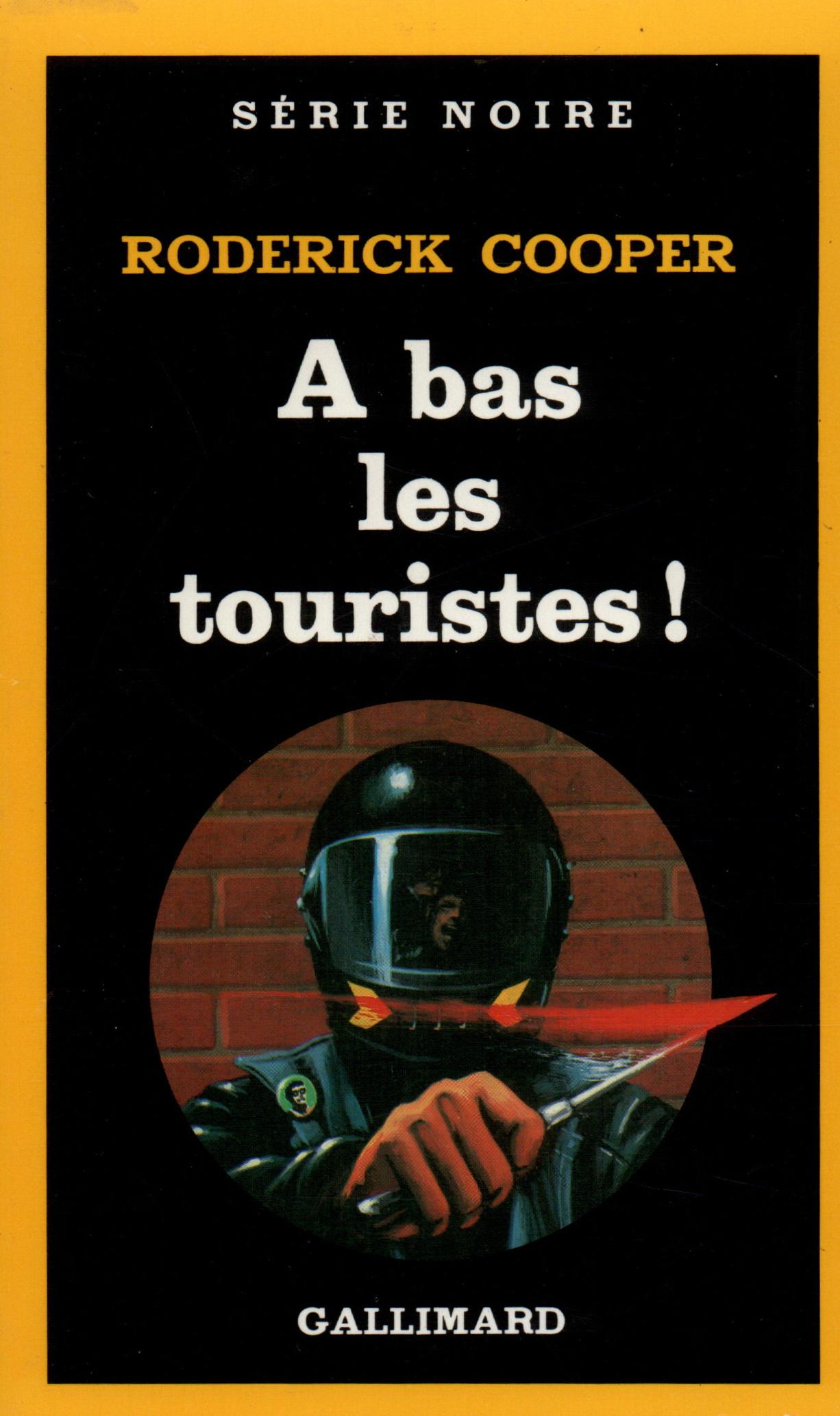 A BAS LES TOURISTES