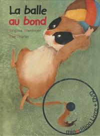 BALLE AU BOND AVEC DVD