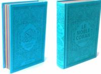 NOBLE CORAN AVEC PAGES ARC-EN-CIEL (RAINBOW) - BILINGUE (FR/AR) - COUVERTURE DAIM BLEU CLAIR