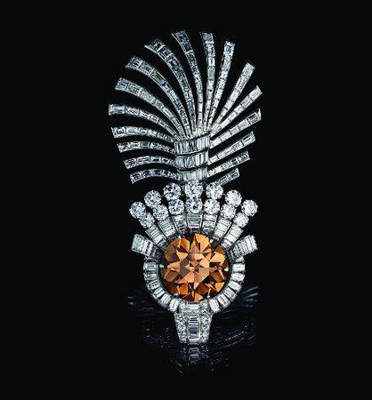 EAST MEETS WEST JEWELS OF THE MAHARAJAS FROM THE AL THANI COLLECTION /ANGLAIS