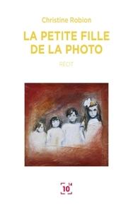 LA PETITE FILLE DE LA PHOTO
