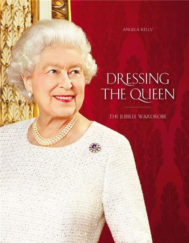 DRESSING THE QUEEN /ANGLAIS