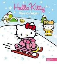 HELLO KITTY JOUE DANS LA NEIGE