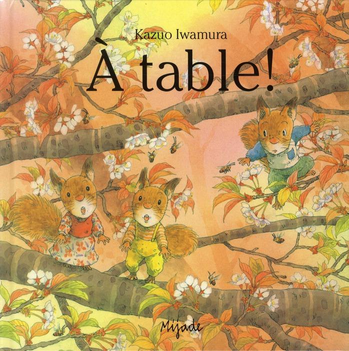 Nic nac noc a table