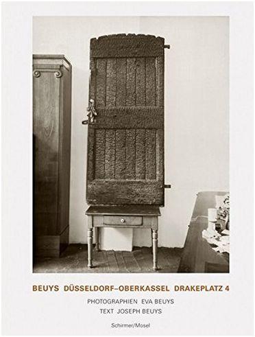 BEUYS DUSSELDORF OBERKASSEL. DRAKEPLATZ 4, PHOTOGRAPHIEN /ALLEMAND