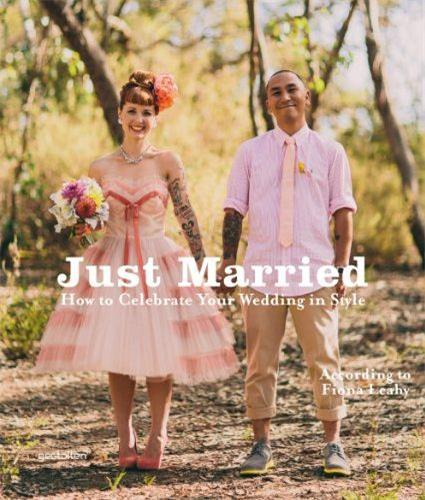 JUST MARRIED /ANGLAIS